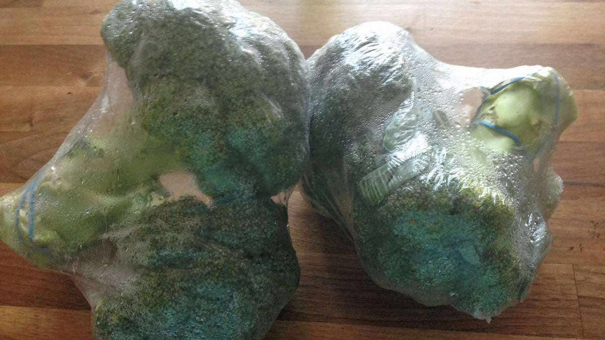 broccoli in plastic wrap - Paula