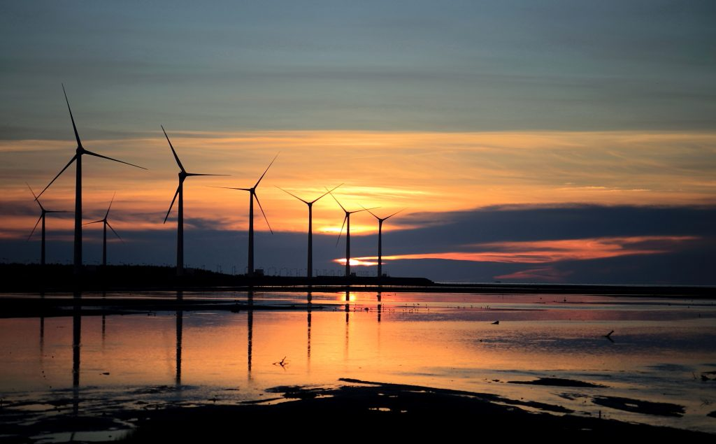 Wind power key to Wales reaching renewable energy target